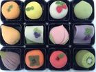 和歌山県紀の川市、果物産地で市民が開発した和菓子「十二果月」。