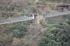 ■当NPOが4年間村おこしのお手伝いをしている、十津川村谷瀬で吊り橋結婚式がありました。吊り橋の先の過疎の集落に、住むことを決めた移住者のカップルです。