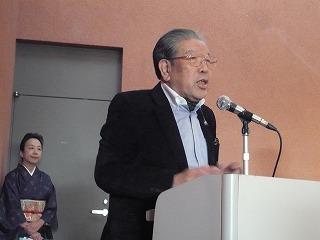 「スローライフ・フォーラムinとなみ野」全体会で川島正英さん。