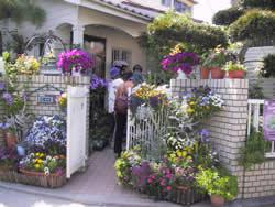 オープンガーデン個人花盛り玄関